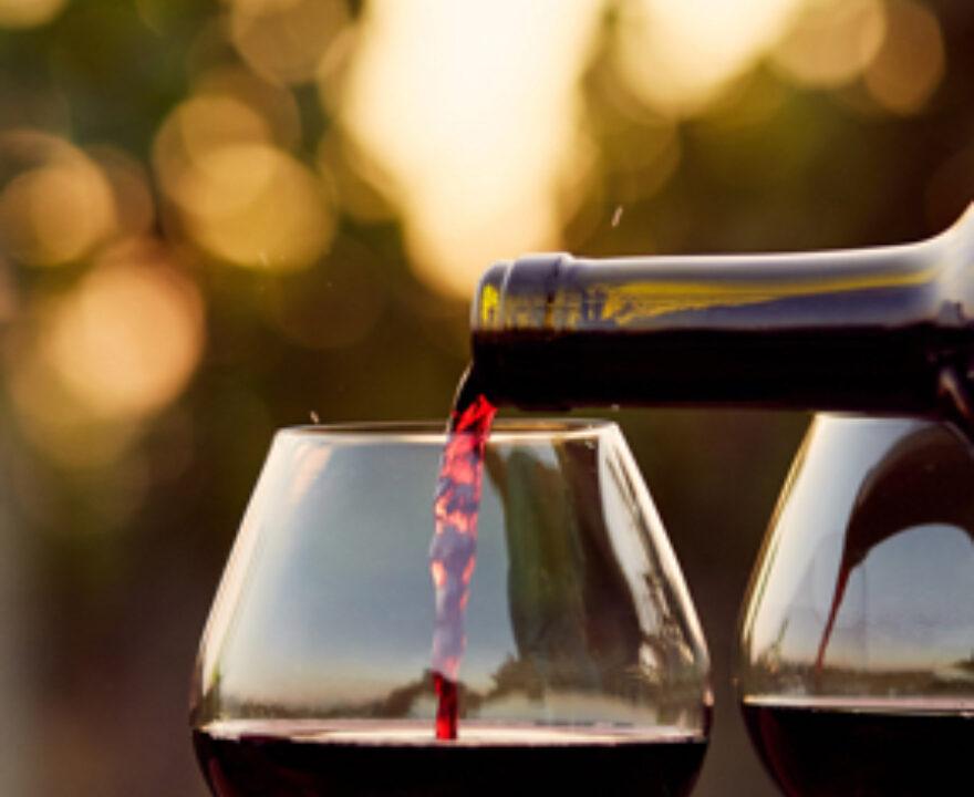 wijn serveren